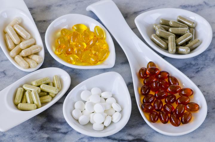 نصائح قبل تناول الفيتامينات والمُكملات الغذائية