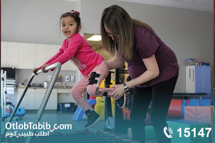 تأخر الحركة والسير عند الطفل.. تعرف على العلاج الطبيعي المكثف للاطفال