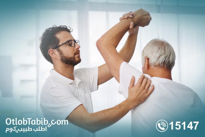 التعامل مع الآلام المزمنة في جلسات علاج طبيعي في المنزل