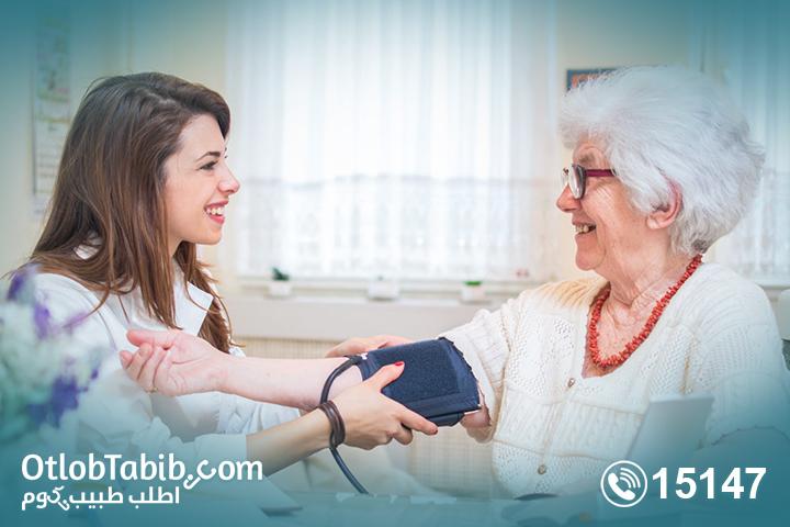 هل خدمة التمريض المنزلي رفاهية لمرضى الكلى أم ضرورة؟